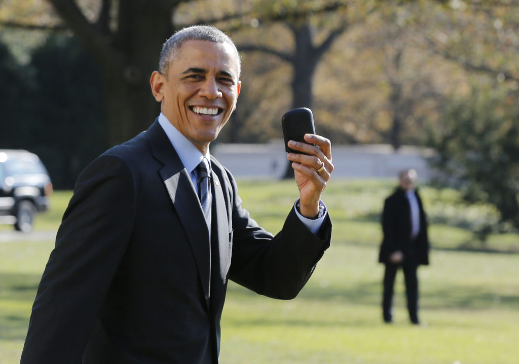 POTUS with a Blackberry - in Nov 2014 WTF?
